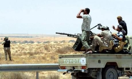 Les forces anti-jihadistes pilonnent les dernières positions de l'EI