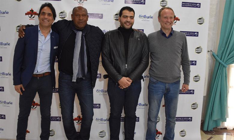 Les organisateurs de la Seven Cup en compagnie de Merry Krimau et du fils de feu Abdelmajid  Dolmy (2e et 3e à partir de la gauche). Ph. Sradni