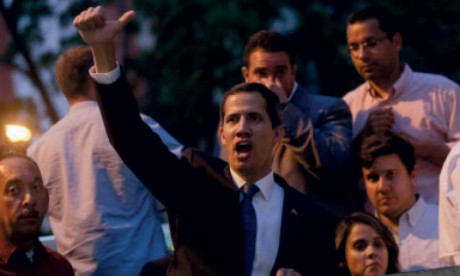 Juan Guaido inéligible pour 15 ans, sanction «ridicule» selon les États-Unis