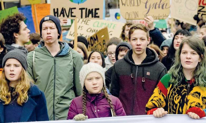 La jeunesse mondiale dans la rue demain