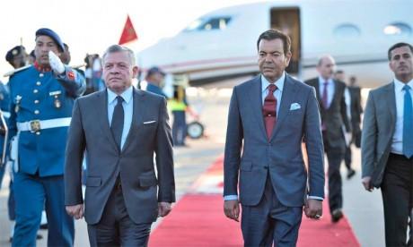 Arrivée au Maroc, sur invitation de Sa Majesté le Roi Mohammed VI, du Roi Abdallah II de Jordanie  pour une visite d'amitié et de travail