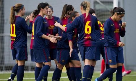 Le match avait, pour objectif, de promouvoir le football féminin au Maroc et de rendre hommage aux anciennes figures sportives de la ville, en particulier les anciennes gloires du Club municipal de Laâyoune. Ph : DR