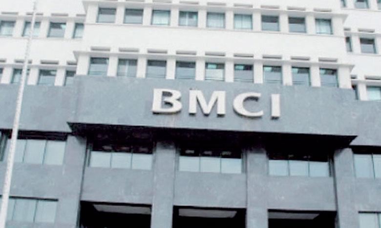 BMCI suit une politique de parité engagée, et a pu enregistrer un taux de 50% de collaboratrices au sein de la banque, dont 39% managers, 35% membres du Comité exécutif et 21% membres du Conseil de surveillance.