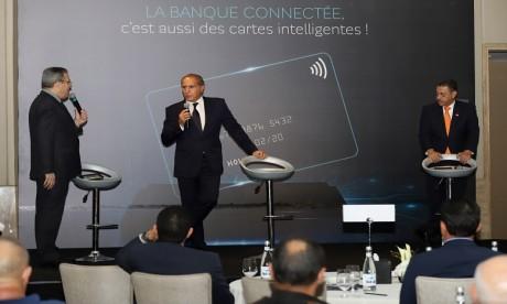 """Placée dans le haut de la gamme monétique, la BMCE """"World Elite"""" est la 1ère carte Mastercard métallique lancée au Maroc. Ph. MAP"""