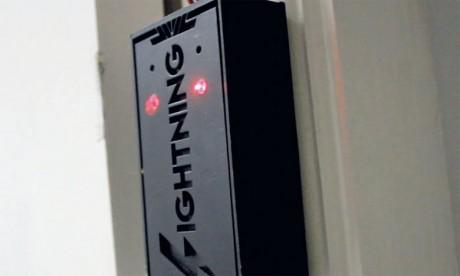 Actuellement, Lightning, contenu dans un boîtier en bois, est commercialisé sur commande. Ph. DR