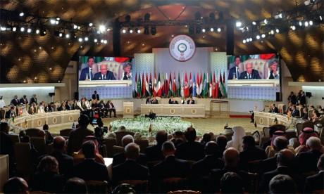 Le 30e Sommet arabe de Tunis salue les efforts de  S.M. le Roi Mohammed VI pour la défense de la Ville sainte