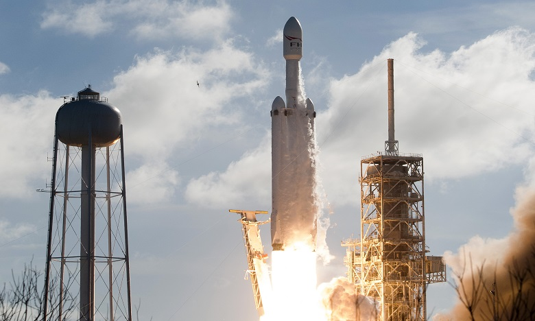 SpaceX: Falcon Heavy fera son premier vol commercial cette nuit