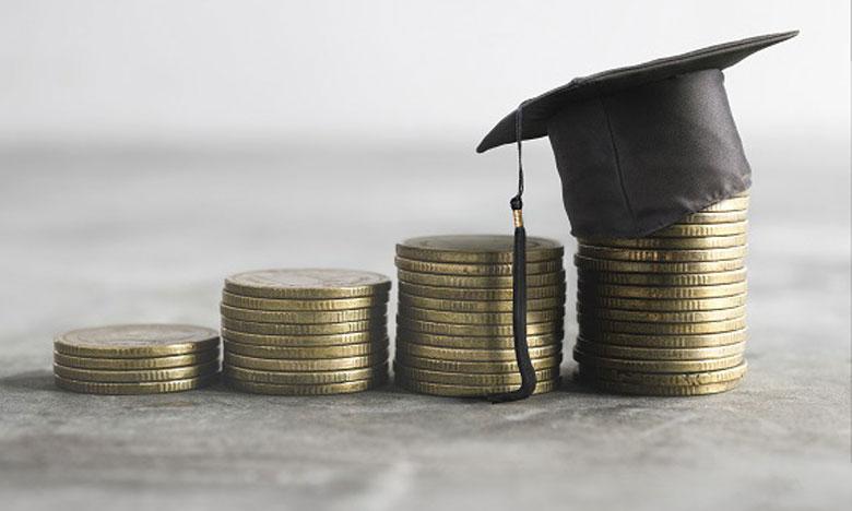 Des bourses d'études sont attribuées par les établissements d'enseignement supérieur étrangers ou les gouvernements de certains pays. Ph. Shutterstock