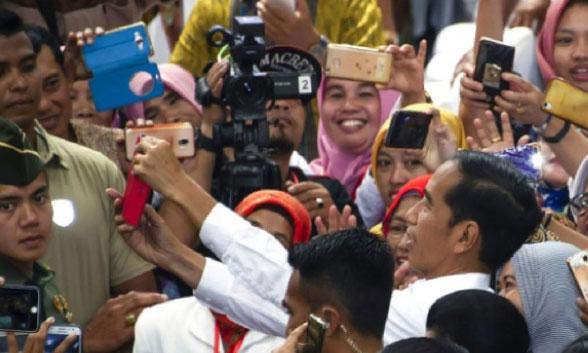 Le Président sortant Joko Widodo donné gagnant face à un ex-général