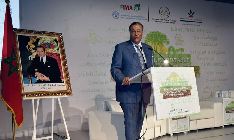 attendant Tariq Sijilmassi, président du directoire du Groupe Crédit Agricole du Maroc, a indiqué que l'agriculture durable repose sur trois principes : la préservation de l'environnement, le bien-être des communautés agricoles et la rentabilité économique. Ph. Sradni