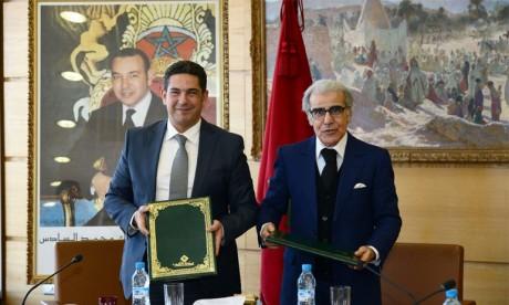 Signature d'une convention de partenariat pour la conception et la sécurisation des diplômes nationaux