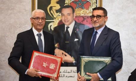 Rachid Talbi Alami, ministre de la Jeunesse et des sports, et Fayçal Laraïchi, président du CNOM. Ph. Kartouch