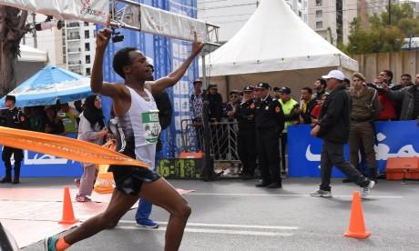 Le Kényan Sammy Kigen pulvérise le record de la compétition