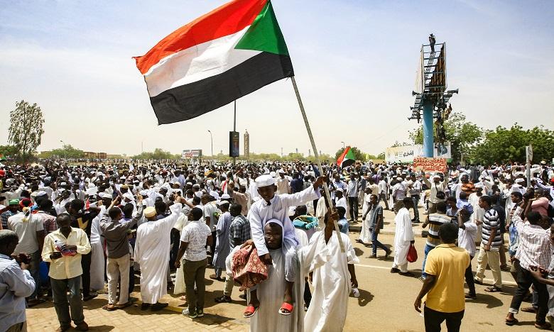 Soudan: la rue se mobilise contre les généraux après le putsch