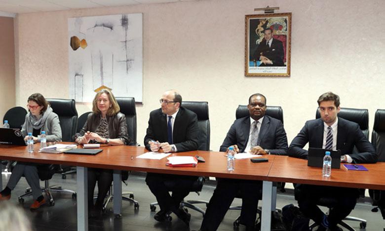Conférence de presse avec le chef de la mission du FMI au Maroc.