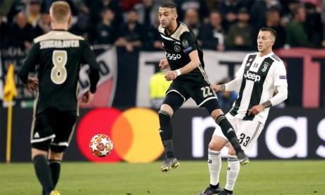 Le football champagne l'emporte sur le catenaccio italien, l'Ajax en demies 22 ans après