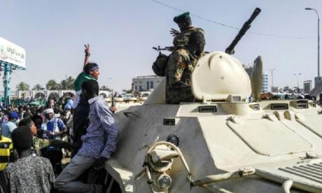 Au 5e jour de contestation, la foule toujours  déterminée à faire «chuter» Béchir