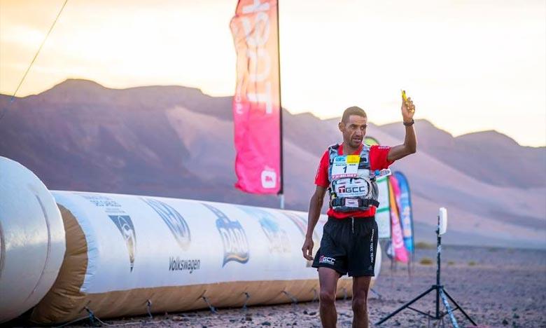Disputée sur une distance de 76,3 km entre Jebel El Mraïer et Rich Mbirika, «La longue» a permis au champion marocain de se frayer, grâce à un chrono de 7 h 13 min10 sec, un chemin vers son 7e titre de la compétition. Ph : DR