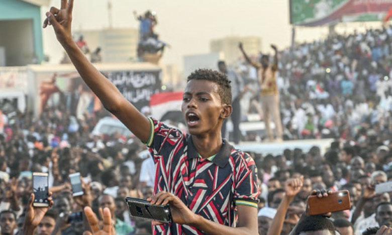 Des rassemblements ont été signalés dans cinq autres États du pays, dont un dans la région en conflit du Darfour, chacun répondant à sa façon à l'appel à participer à la «Marche du million». Ph. AFP