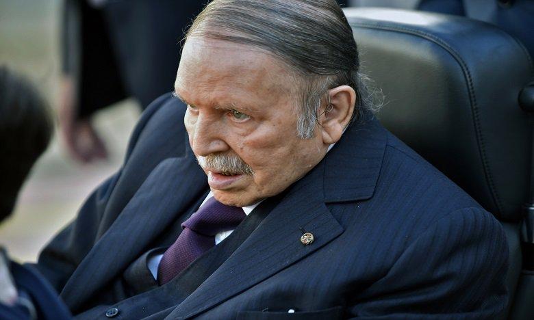 Le Président algérien présente sa démission