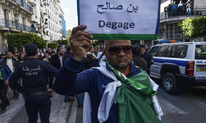 Algérie: La rue ne relâche pas la pression
