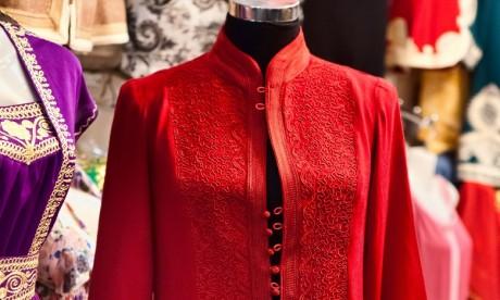 Les habits traditionnels suscitent toujours autant d'engouement à l'étranger puisqu'ils arrivent en tête des produits les plus exportés. Ph. Shutterstock