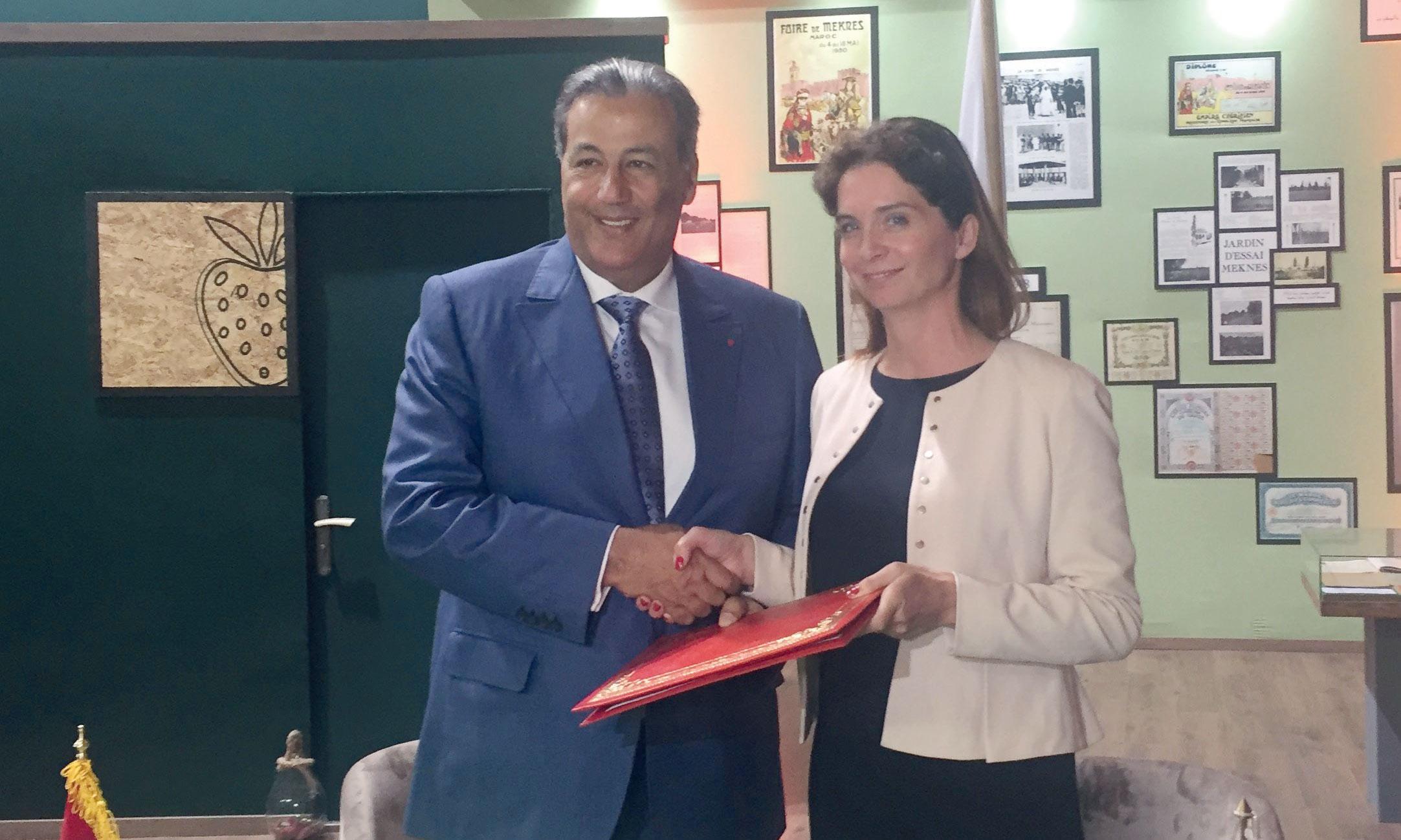 La lettre de mandat a été signée par la directrice de la BERD au Maroc, Marie-Alexandra Veilleux-Laborie, et le président de directoire du CAM, Tariq Sijilmassi.