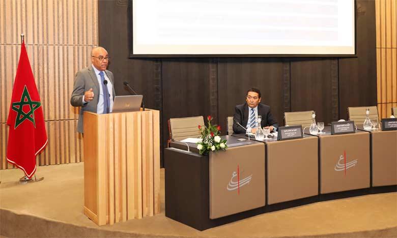 Le Conseil supérieur de l'éducation  présentant les résultats et les recommandations de son rapport sur la formation professionnelle au Maroc.
