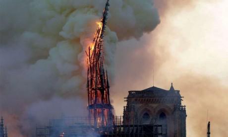 Les pétitions se multiplient «pour la restauration de Notre-Dame à l'identique»