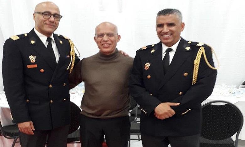 De gauche à droite : Mustapha Nazih, lieutenant-colonel, Abdeljalil Mikdam résidant marocain à Amsterdam et Zouhier Jbyeh Lieutenant.