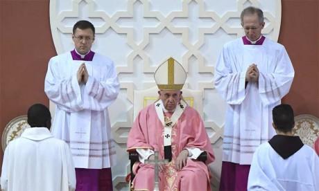 S.M. le Roi et le Pape François œuvrent conjointement pour combler le fossé opposant  les deux croyances