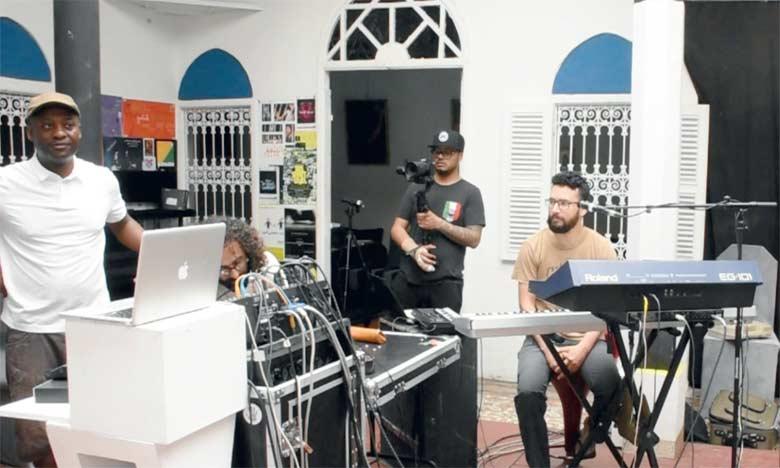 Des musiciens canadiens et marocains chantent  pour l'amour et le partage
