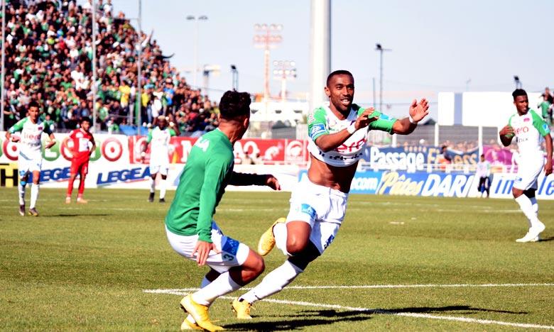 La victoire permet au Raja Club Athletic de Casablanca (RCA) de réduire l'écart avec leurs voisins du Wydad Athletic Club de Casablanca (WAC) avec 54 points à deux points. Ph : Seddik