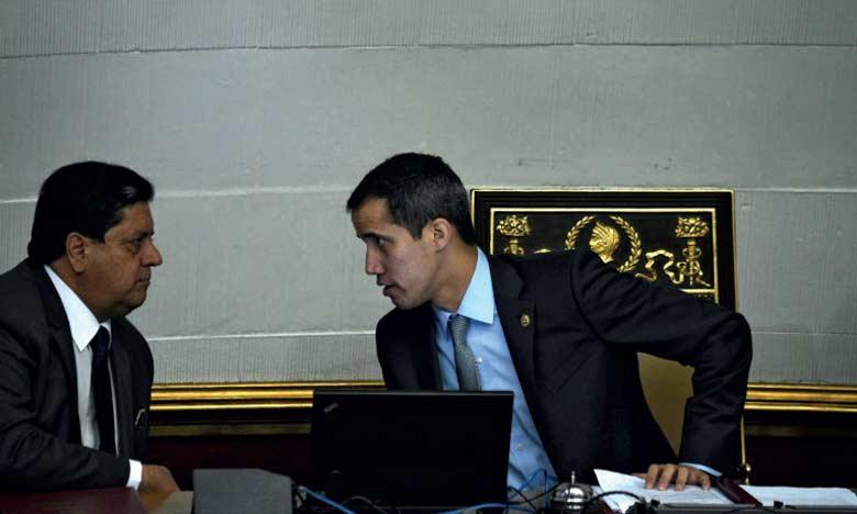 Edgar Zambrano (à gauche, avec l'opposant Juan Gaido), président de l'Assemblée nationale, a été arrêté par le Sebin, le service de renseignement du régime.                    Ph. AFP