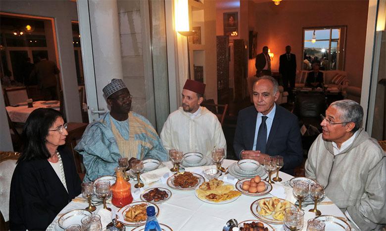 Iftar organisé à l'occasion de la Journée de l'Afrique en présence de membres du corps diplomatique africain accrédité à Rabat.