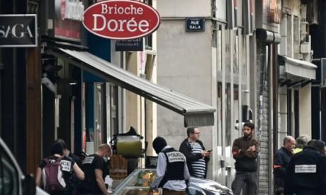 Colis piégé à Lyon : un suspect «peu loquace», «très renfermé»