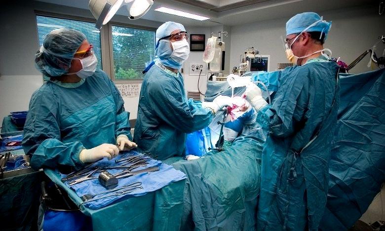 Laâyoune : Succès d'une intervention chirurgicale délicate