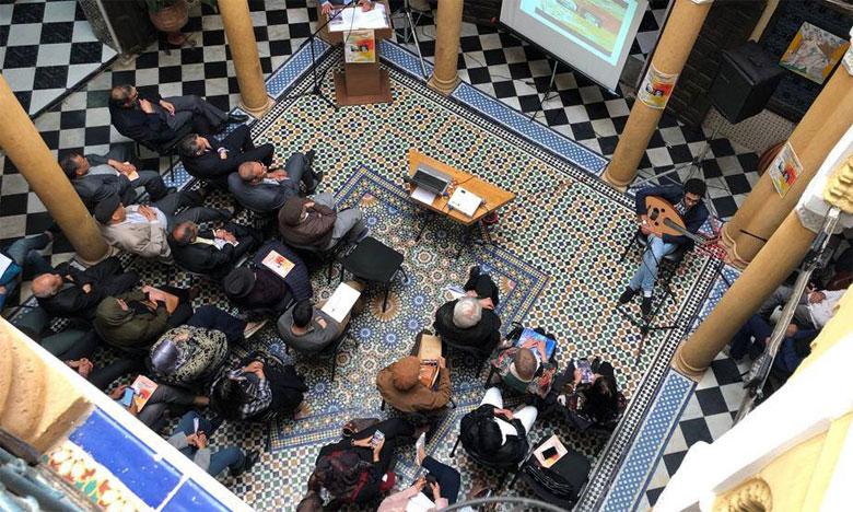 Le colloque a célébré la poésie en vue de créer un espace de dialogue entre différents courants  artistiques.