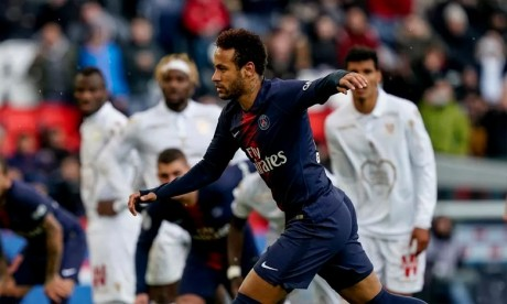 Neymar suspendu trois matches ferme