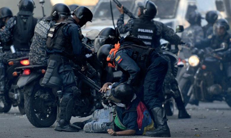 Si les habitants de Caracas sont sortis en masse en soutien à M. Guaido, ce dernier ne semble pas avoir réussi son pari de faire du 1er mai la «plus grande manifestation de l'histoire du Venezuela».                                  Ph. AFP