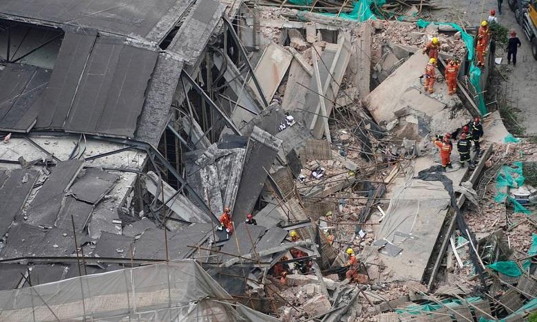 Chine : Au moins sept morts dans l'effondrement d'un bâtiment à Shanghai