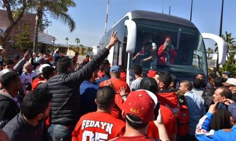 Les joueurs et le staff du Wydad accueillis en héros  à l'aéroport Mohammed V