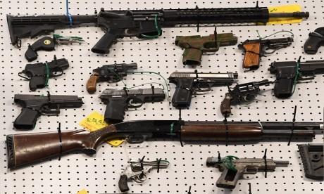 Plus d'un millier d'armes saisies chez un particulier à Los Angeles !