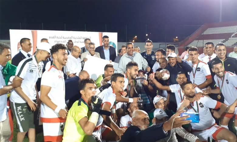 Explosion de joie des joueurs de Kelaa Sraghna après leur victoire sur l'Ittihad Touarga.