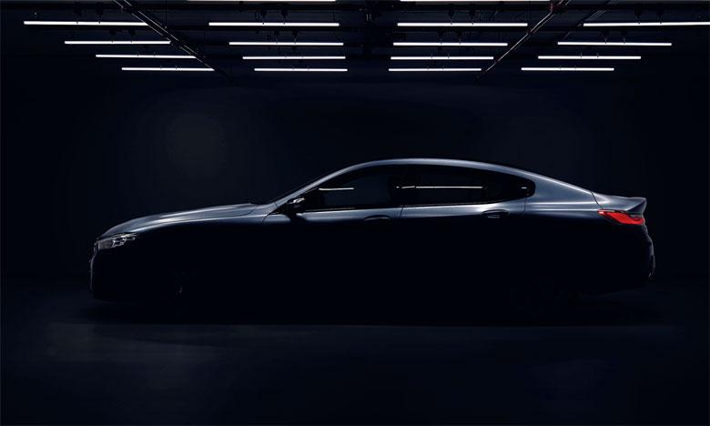 La Série 8 Gran Coupé est une voiture de sport à quatre portes, élégante et luxueuse.
