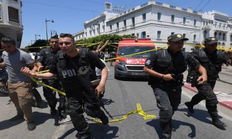L'attentat terroriste de Tunis fait cinq blessés