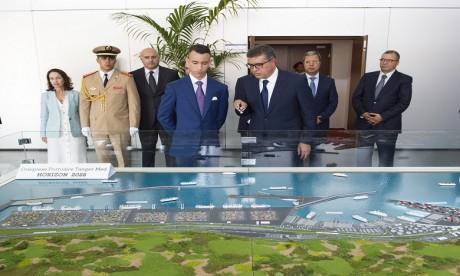 S.A.R. le Prince Héritier Moulay El Hassan représente S.M. le Roi à la cérémonie de lancement des opérations portuaires de Tanger Med II, une plateforme qui positionne Tanger Med comme première capacité portuaire en Méditerranée