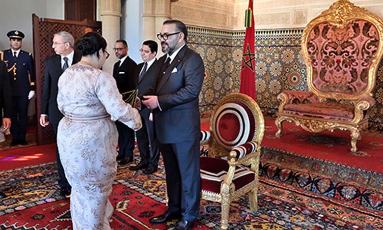 S.M. le Roi nomme de nouveaux ambassadeurs et reçoit des ambassadeurs étrangers venus prendre congé du Souverain