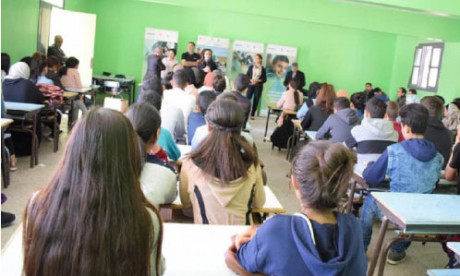 Injaz Al-Maghrib : «Futuristic Vision» rafle le Prix  de la meilleure junior entreprise