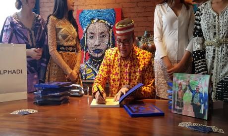 Alphadi présente son ouvrage «FIMA, 20 ans de mode en Afrique»